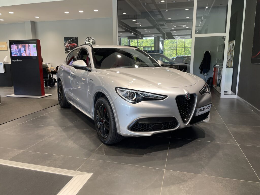 Alfa Romeo 2.0 280 KM VELOCE